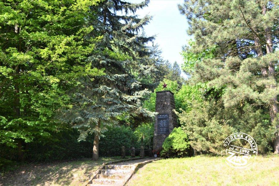 Foto Památník padlým hrdinům u Bunče