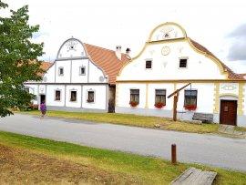 Jihočeská vesnice Holašovice - selské baroko