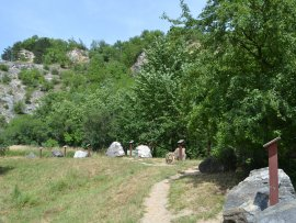 Foto Naučná stezka a jeskyně Turold - Mikulov