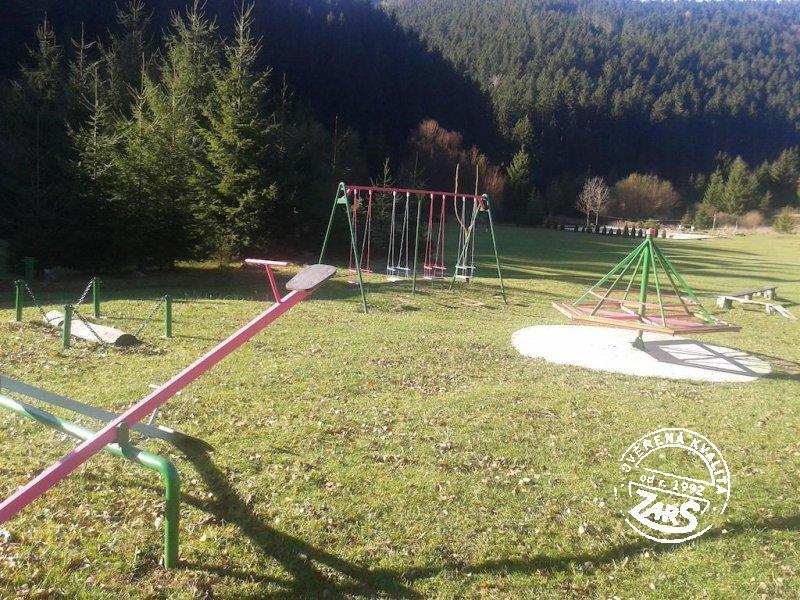 Chatka v rekreačním areálu Rajecká Lesná k pronájmu, Velká a Malá Fatra